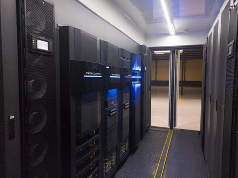 cabinas EMC2 en contenedor