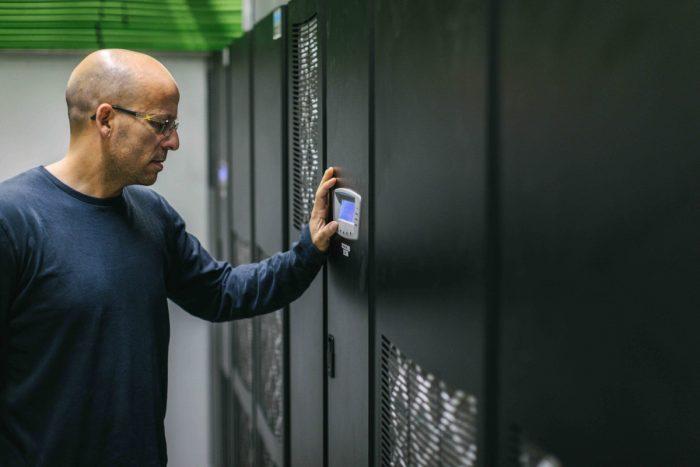 Trabajar con un data center es una manera sencilla, efectiva y rentable de acceder a una certificación como la ISO 27001.